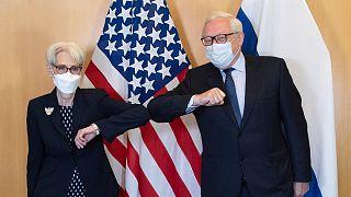 وندی شرمن، معاون وزیر خارجه آمریکا و سرگئی ریابکوف، معاون وزیر خارجه روسیه