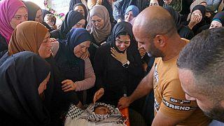 Öldürülen Filistinli gencin cenazesi