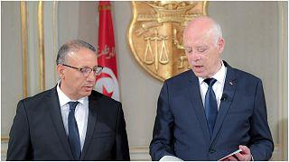 الرئيس التونسي قيس سعيّد يتحدث إلى رضا غرسلاوي المكلّف بتسيير وزارة الداخلية