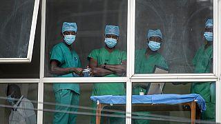 Les professionnels de santé kényans invités à travailler au Royaume Uni