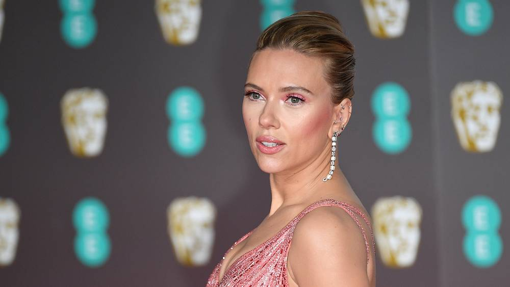 Scarlett Johansson pereli a Walt Disney-t
