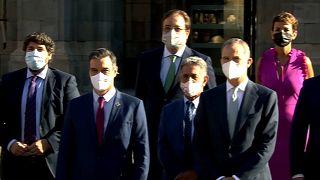El presidente del Gobierno Español y el rey Felipe VI posan juntos a los presidentes regionales para la foto de familia en la Conferencia de Presidentes