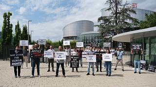 Askeri öğrencilerden AİHM önünde eylem