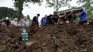 مقبرة لأحد ضحايا مسلمي البوسنة خلال حرب البلقان