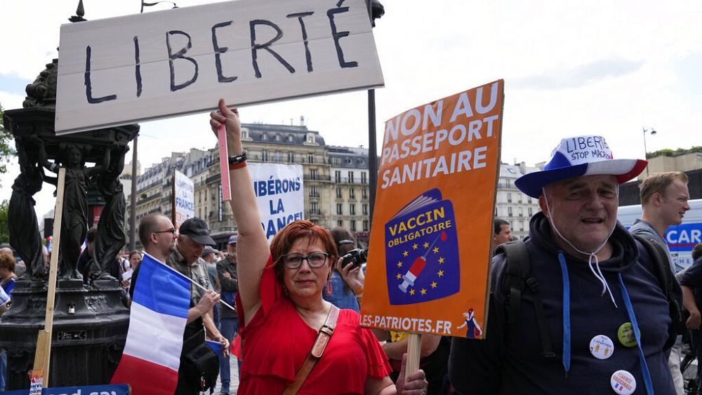 French police brace for clashes as anti-vaccine pass protests enter third week