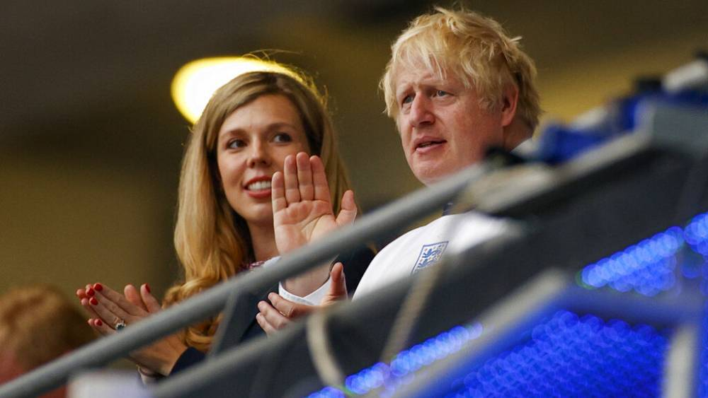 Boris Johnson and wife, Carrie, are expecting another child thumbnail