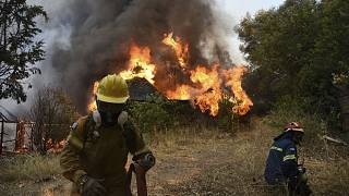 رجال الإطفاء في اليونان