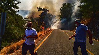 Los incendios forestales amenazan con acabar con el turismo en el Mediterráneo europeo