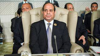 الرئيس المصري عبد الفتاح السيسي يحضر افتتاح القمة العربية الثلاثين في تونس العاصمة، الأحد 31 مارس 2019