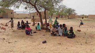 Un grupo de niños en Dori, Burkina Faso