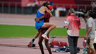 11 yıldır arkadaş olan Katarlı Mutaz Essa Barshim ile İtalyan Gianmarco Tamberi altın madalyayı paylaştı