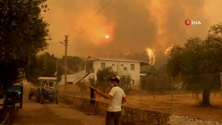 Turkey: in Mugla people are fleeing the wildfires