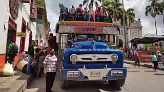 Desplazados colombianos regresan a casa