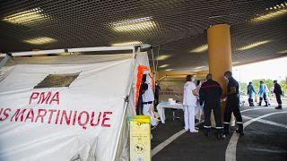 une tente de triage pour soigner les patients, au centre hospitalier universitaire (CHU) Pierre Zobda-Quitman de Fort-de-France