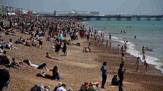 شاطئ برايتون على الساحل الجنوبي لإنجلترا، الأحد 30 مايو 2021.