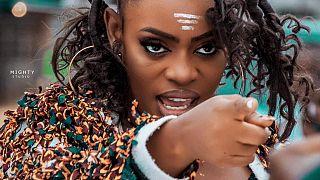 Artiste féminine libérienne Faith Vonic :  Musique et plongée dans l'aide humanitaire