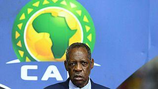 FIFA'dan İssa Hayatou'ya 1 yıllık uzaklaştırma cezası