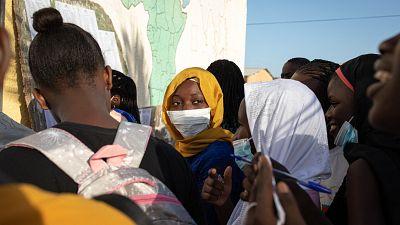 Sénégal : un étudiant se déguise en femme pour passer le bac pour sa copine