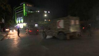 Esplosioni a Kabul, vicino alla casa del ministro della Difesa: i talebani minacciano la capitale