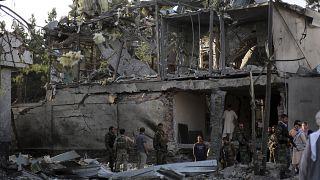 Разрушенный дом, на который напали талибы