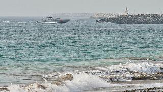 قارب تابع لخفر السواحل الإماراتية يقوم بدوريات قبالة سواحل الفجيرة، 4 أغسطس 2021