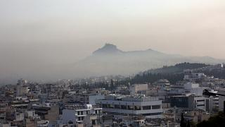 Επιβλαβή σωματίδια στην ατμόσφαιρα της Αθήνας από την πυρκαγιά στην Βαρυμπόμπη