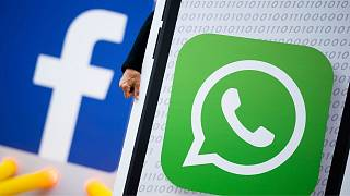 نشان تجاری واتساپ و فیسبوک