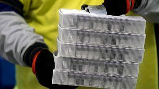 توافق اتحادیه اروپا با شرکت آمریکایی نواواکس برای خرید واکسن