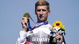 Florian Wellbrock mit der Goldmedaille in Tokio