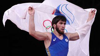 Заур Угуев принес России 16-ую золотую олимпийскую медаль
