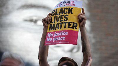 Football : arrestation de 11 personnes pour injures racistes