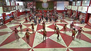 Brésil : la samba de retour dans les salles de danse