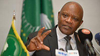"""Positif à la Covid-19, le directeur de l'Africa CDC """"sauvé"""" par le vaccin"""