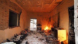 Zerstörtes Haus in Griechenland, dort und in der Türkei toben die schlimmsten Waldbrände