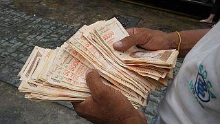 Los devaluados bolívares