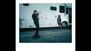 Bryan Adams fotografiert für den Pirelli-Kalender 2022