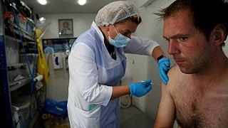 La Russia vaccina i senzatetto