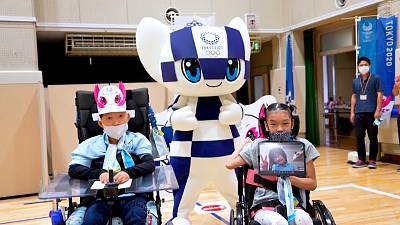 Disabled children use VR to watch Olympics
