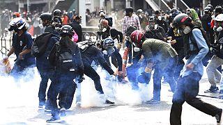 Összecsapások a kormányellenes tüntetésen Thaiföldön