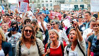 معترضان به اجباری شدن «گواهی بهداشتی» در فرانسه