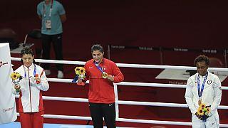 Milli Boksör Busenaz Sürmeneli Olimpiyat Şampiyonu oldu