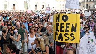 Több más város mellett Milánóban is ezrek vonultak az utcára