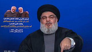 Tavalyi felvétel: Naszrallah beszédet mond a Hezbollah által működtetett Al-Manar televízióban