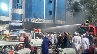 La population assiste et subit l'avancée des talibans