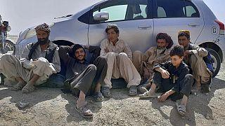 Auf der Flucht vor den Taliban bleiben viele Zivilisten an den Landesgrenzen hängen. Wie hier an einem geschlossenen Übergang nach Pakistan
