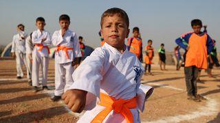 """Teilnehmer der """"Lager-Olympiade"""" für Kinder in Idlib"""