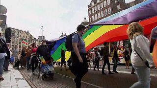 Tausende Teilnehmer*innen beim Amsterdamer Pride Walk