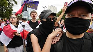Ακτιβιστές κατά του καθεστώτος Λοιυκασένκο διαδηλώνουν στη Βαρσοβία