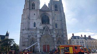 Megöltek egy katolikus papot Franciaországban