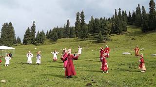 شاهد: مهرجان في قيرغيزستان يحتفي بإرث الأجداد وأزيائهم